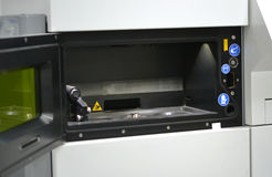Cámara de trabajo Open de una máquina de la sinterización del laser para el metal Fotografía de archivo
