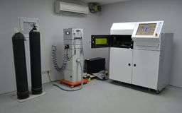 Cámara de trabajo Open de una máquina de la sinterización del laser para el metal Fotos de archivo libres de regalías