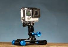 Cámara de vídeo de la acción portátil del casco en el palillo de Selfie Fotografía de archivo