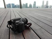 Cámara DSLR en skypark fotografía de archivo libre de regalías