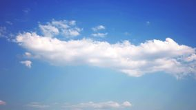 Cámara lenta de nubes en el cielo, time lapse almacen de video