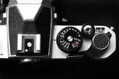 Cámara vieja de la película del vintage con la lente manual del foco Imagen de archivo