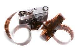 Cámara y filmstrip imagen de archivo libre de regalías