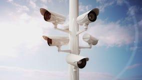 Cámaras CCTV contra el cielo azul libre illustration