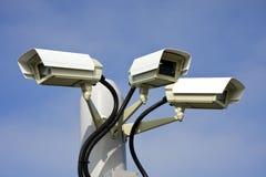 Cámaras de vigilancia de la seguridad fotografía de archivo libre de regalías