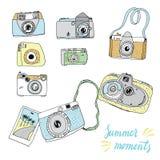 Cámaras viejas y nuevas dibujadas mano linda Las mejores memorias del verano Foto de archivo