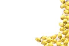 Cápsula del aceite de pescado, Omega 3-6-9 cápsulas suaves amarillas de los geles del aceite de pescado Imagen de archivo libre de regalías
