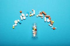 Cápsula, píldoras y drogas de la medicina Farmacia de la accesibilidad fotos de archivo