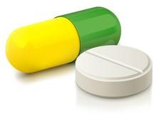 Cápsula y píldora Imagen de archivo libre de regalías