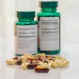 Cápsulas dietéticas do suplemento Imagem de Stock