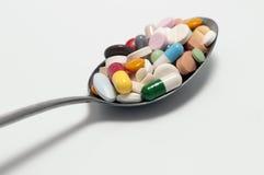 Cápsulas y píldoras imágenes de archivo libres de regalías