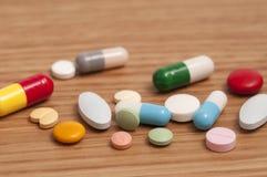 Cápsulas y píldoras imagen de archivo libre de regalías