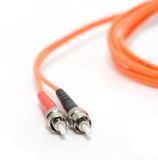 Câble de fibre avec des connecteurs Images libres de droits