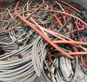 Câbles électriques pour la gestion des déchets recyclables en MU photographie stock libre de droits