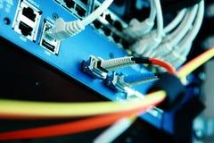 Câbles informatiques de correction de serveur de réseau Image stock