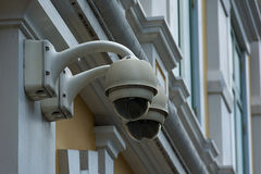 Câmara de segurança na construção da parede Foto de Stock Royalty Free