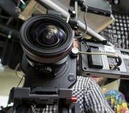 Câmara de televisão em um estúdio imagens de stock royalty free