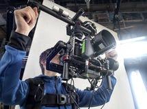 Câmara de televisão no estúdio fotografia de stock royalty free