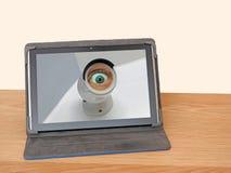 Câmara de vigilância do anel espiando do Internet Imagens de Stock Royalty Free