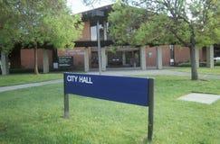 Câmara municipal - centro em Sunnyvale, Califórnia do governo fotografia de stock