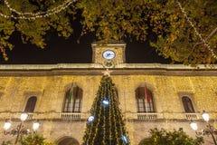 Câmara municipal com árvore de Natal e luzes, Sevilha Foto de Stock