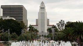 Câmara municipal de Los Angeles e fonte - dia video estoque