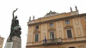 Câmara municipal (Municipio) e memorial de guerra, Garlasco, picovolt, Itália filme