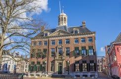 Câmara municipal no centro histórico de Leeuwarden imagens de stock royalty free