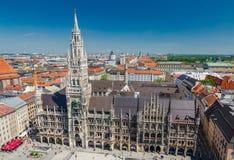 A câmara municipal nova é uma câmara municipal na parte nortenha de Marienplatz em Munich, Baviera Foto de Stock Royalty Free