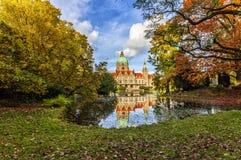 A câmara municipal nova da cidade de Hannover imagens de stock