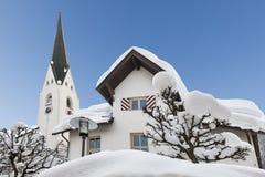 Câmara municipal Oberstdorf coberto de neve fotos de stock