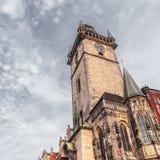 Câmara municipal velha da cidade em Praga, vista do quadrado Fotos de Stock Royalty Free