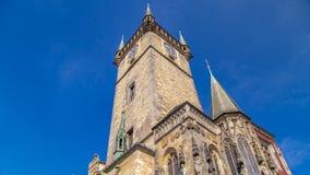 Câmara municipal velha da cidade no timelapse de Praga, vista da praça da cidade velha, República Checa filme