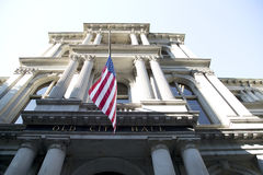 Câmara municipal velha na cidade Boston fotos de stock