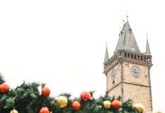 Câmara municipal velha no quadrado principal em Praga com as decorações no estilo do Natal O conceito do Natal Foto de Stock Royalty Free