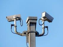 Câmaras de vigilância que monitoram o tráfego de estrada no M25 imagens de stock