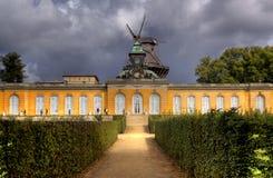 Câmaras novas no parque de Sanssouci em Potsdam imagens de stock royalty free