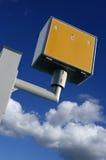 Câmera amarela da velocidade do tráfego de estrada Fotos de Stock
