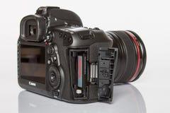 Câmera da foto do profesional DSLR do EOS 5D Mark IV de Canon Imagem de Stock