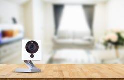 Câmera do CCTV, registro da câmera do IP no fundo obscuro da sala de visitas Foto de Stock