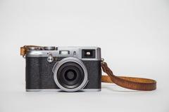 Câmera retro com fundo branco fotografia de stock