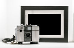 Câmera retro do filme do vintage com iso preto e branco da moldura para retrato Imagem de Stock