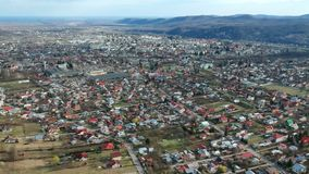 Câmpina,罗马尼亚,郊区的空中英尺长度 影视素材