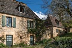 Cénac, villaggio francese in valle della Dordogna fotografia stock