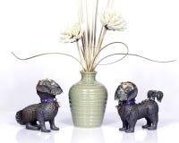 Cães metálicos de Foo fotografia de stock
