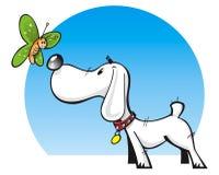 Cão bonito e borboleta Imagens de Stock Royalty Free