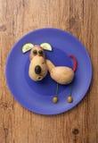 Cão feito dos vegetais fotos de stock royalty free