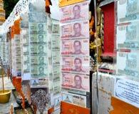 Cédula para o mérito budista tailandês feito Foto de Stock