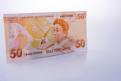 Cédulas da lira de Turksh de 50 no fundo branco Fotografia de Stock
