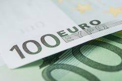 Cédulas de cem dinheiros dos euro Foto de Stock Royalty Free